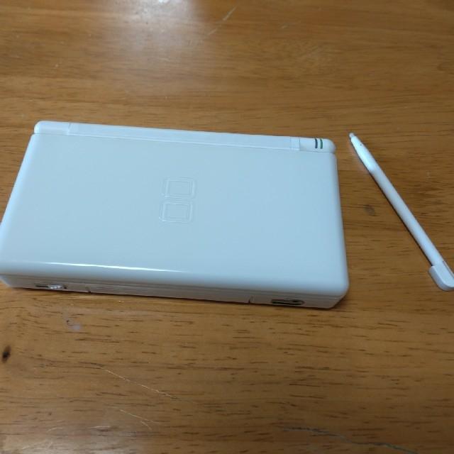 ニンテンドーDS(ニンテンドーDS)のニンテンドーDS Lite 本体 ホワイト エンタメ/ホビーのゲームソフト/ゲーム機本体(携帯用ゲーム機本体)の商品写真