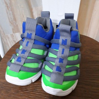 NIKE - NIKE ナイキ ノーヴィス NOVIS ジュニア グリーン 靴 緑 青 19
