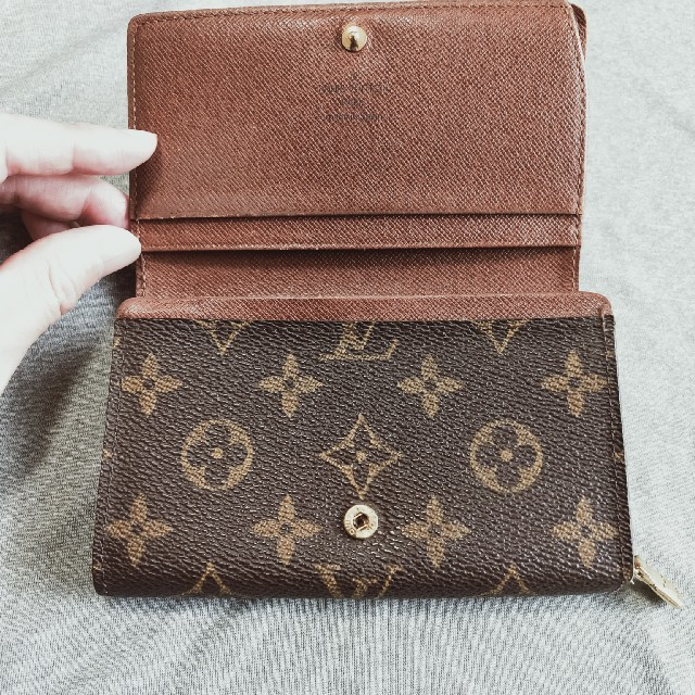 LOUIS VUITTON(ルイヴィトン)のルイヴィトンモノグラム財布 レディースのファッション小物(財布)の商品写真