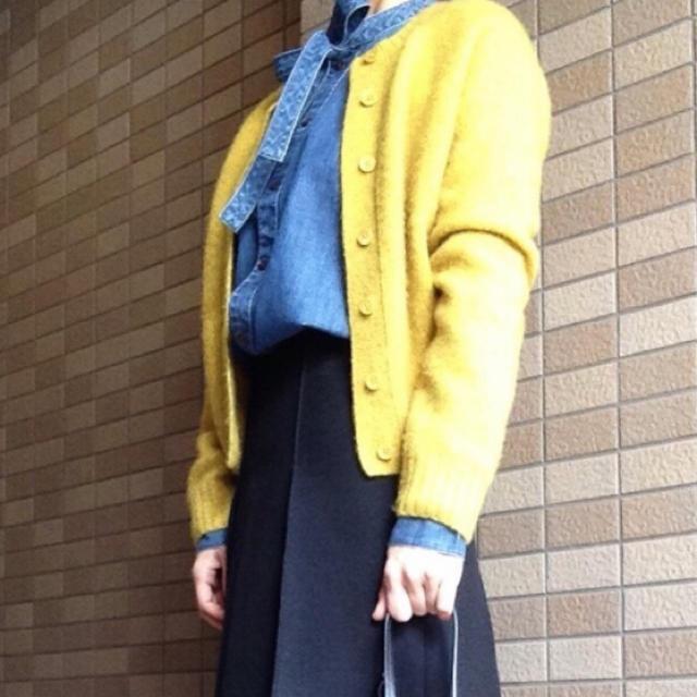 Drawer(ドゥロワー)の美品 ドゥロワー カシミア カーディガン イエロー レディースのトップス(カーディガン)の商品写真