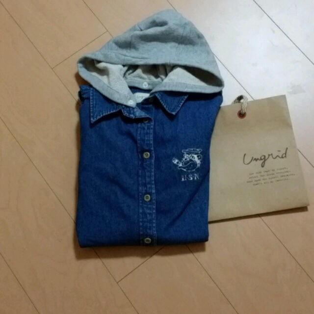 Ungrid(アングリッド)のフード付きデニムシャツ レディースのトップス(シャツ/ブラウス(長袖/七分))の商品写真