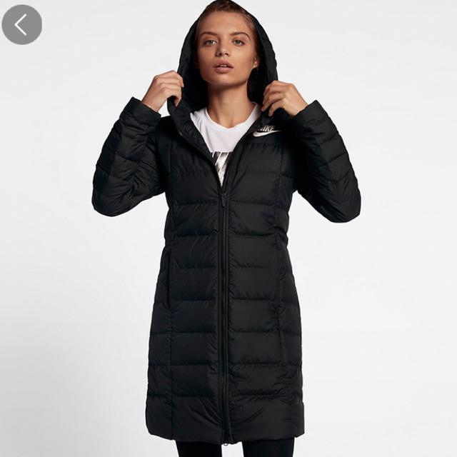 NIKE(ナイキ)の新品 Lサイズ ナイキ ダウンコート レディース レディースのジャケット/アウター(ダウンジャケット)の商品写真