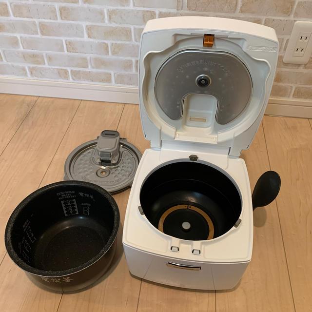 三菱電機(ミツビシデンキ)のIH炊飯器 三菱 NJ-VE105-W ※ジャンク品 スマホ/家電/カメラの調理家電(炊飯器)の商品写真