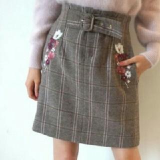ジルバイジルスチュアート(JILL by JILLSTUART)の新品♡お花刺繍スカート(ミニスカート)