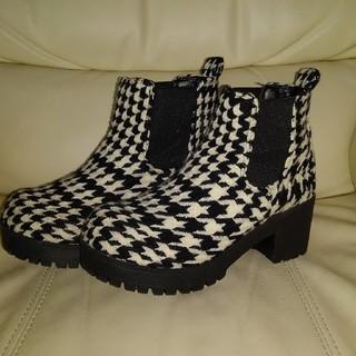 Nuovo - 千鳥柄❗脚長ブーツ