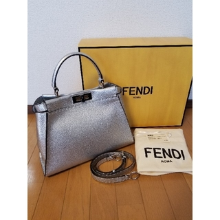 FENDI - ♡かなり美品♡ FENDI フェンディ セレリア ピーカブー レギュラー