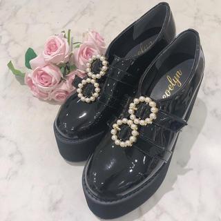 evelyn - パールバックル厚底靴