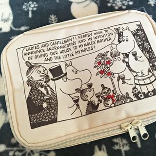 タカラジマシャ(宝島社)のInRed 1月号付録  ムーミン10ポケットのマルチケース(キャラクターグッズ)