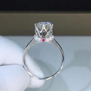 【2カラット】輝く王冠 モアサナイト ダイヤモンド リング(リング(指輪))