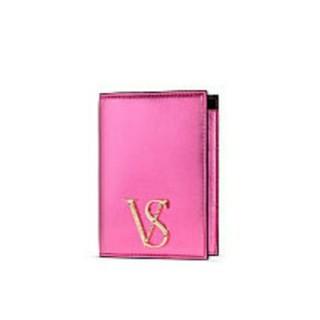 Victoria's Secret - ヴィクトリアシークレット VSエンブレム パスポートケース メタリックピンク