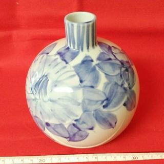 クタニセイヨウ(九谷青窯)の九谷焼の花瓶(陶芸)