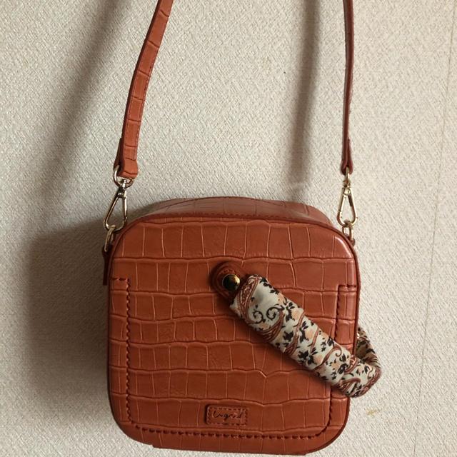 Ungrid(アングリッド)のUngrid スカーフ付クロコ型押しBag レディースのバッグ(ショルダーバッグ)の商品写真