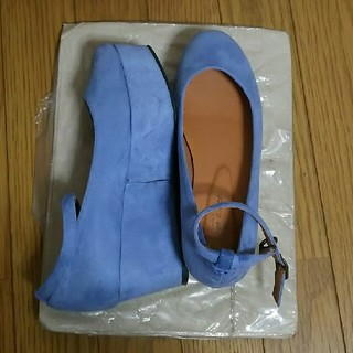 w closet - ダブルクローゼット 厚底パンプス アンクルストラップ スエード 水色 ブルー