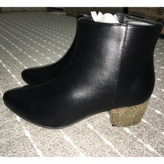 新品未使用ショートブーツ (ブーツ)
