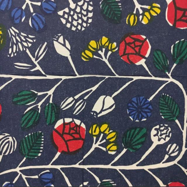 marimekko(マリメッコ)のmarimekko * クランッシ ブルー インテリアパネル インテリア/住まい/日用品のインテリア小物(置物)の商品写真