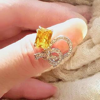 日々の疲れをヒーリング:イエロースクエア蝶結びデザインリング(リング(指輪))