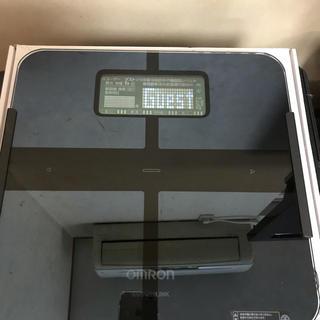 オムロン(OMRON)のOMRON HBF-253W-BK(体重計/体脂肪計)