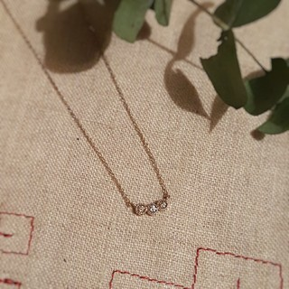 K10 ダイヤモンド スリーストーンネックレス