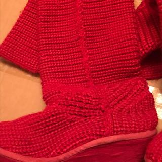 赤いニットブーツ(ブーツ)