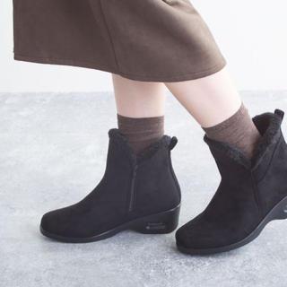 新品 定価8580円 軽量!暖かい♡エコファーブーツ ブラックor  グレー(ブーツ)