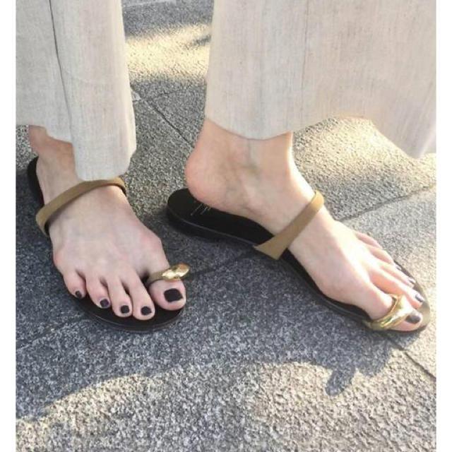 L'Appartement DEUXIEME CLASSE(アパルトモンドゥーズィエムクラス)の☆アパルトモン☆ GIUSEPPE ZANOTTI 親指プレートサンダル/37 レディースの靴/シューズ(サンダル)の商品写真