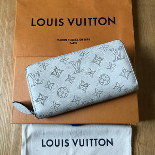 LOUIS VUITTON - 美品 正規品 ルイヴィトン マヒナ ジッピーウォレット
