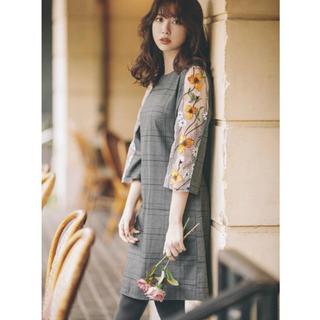 tocco - tocco  closet 袖シースルーお花刺しゅうチェックワンピース