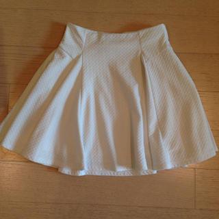 マーキュリーデュオ(MERCURYDUO)の白プリーツスカート(ミニスカート)
