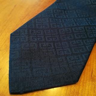 GIVENCHY - ✨GIVENCHY ジバンシィ イタリア製の濃紺色の高級ネクタイ♪
