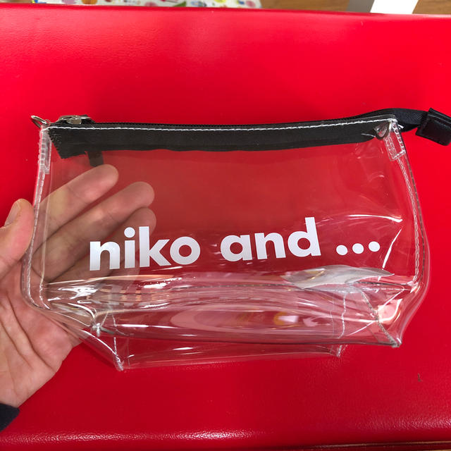 niko and...(ニコアンド)のniko and... クリアポーチ レディースのファッション小物(ポーチ)の商品写真