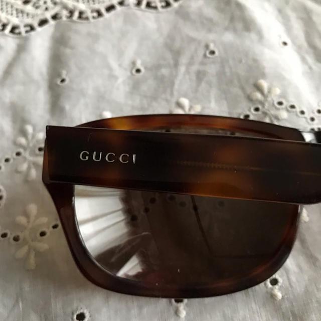 Gucci(グッチ)のGUCCIサングラス トムフォード レイバン好きな方にも レディースのファッション小物(サングラス/メガネ)の商品写真