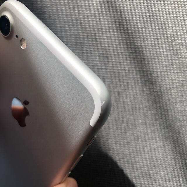Apple(アップル)のiPhone7 SIMフリー 美品 スマホ/家電/カメラのスマートフォン/携帯電話(スマートフォン本体)の商品写真