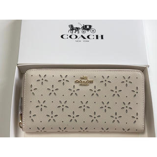 COACH - 新品未使用品★コーチ ラメ花柄 カットアウト 長財布 53868 ホワイト