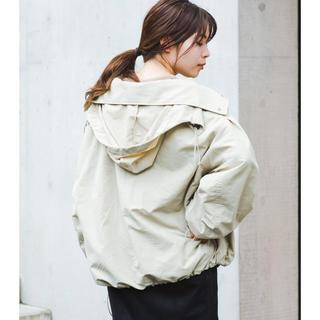 Kastane - ボリューム袖ナイロンパーカー