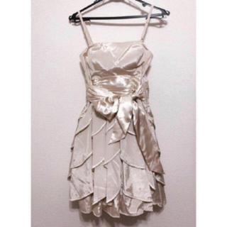 リヨン(LYON)のLYON シャンパンゴールド ドレス(ミディアムドレス)