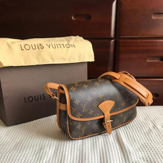 LOUIS VUITTON - 《わりと美品です》ルイヴィトン ソローニュ