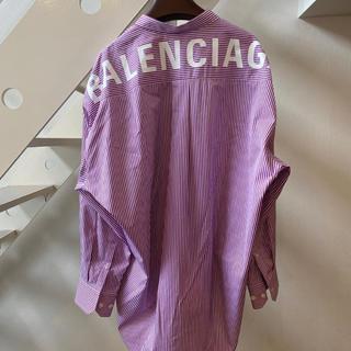 バレンシアガ(Balenciaga)の【新品】バレンシアガ ニュースイングシャツ バックロゴシャツ 34(シャツ/ブラウス(長袖/七分))