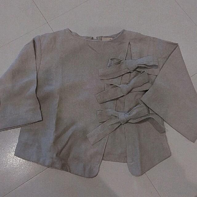 petit main(プティマイン)のプティマイン リボントップス キッズ/ベビー/マタニティのベビー服(~85cm)(シャツ/カットソー)の商品写真
