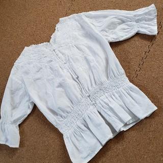 アベイル(Avail)の白ブラウス(シャツ/ブラウス(半袖/袖なし))