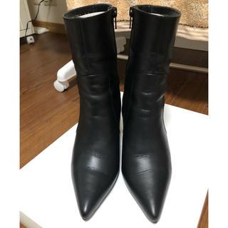 IENA - SHOE GALLERY OTA(シューギャラリー・オオタ)黒のショートブーツ