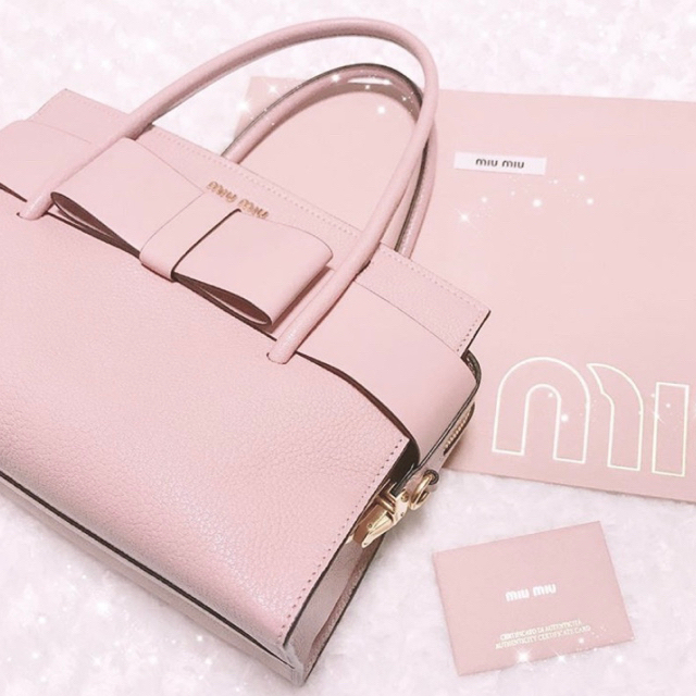 miumiu(ミュウミュウ)のmiumiu マドラスフィオッコ レディースのバッグ(ショルダーバッグ)の商品写真