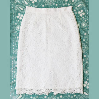 ラトータリテ(La TOTALITE)の【La TOTALITE】ホワイトレースタイトスカート(ひざ丈スカート)