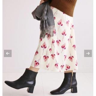 IENA - 【新品タグ付】IENA フラワーモチーフプリント シャーリングスカート