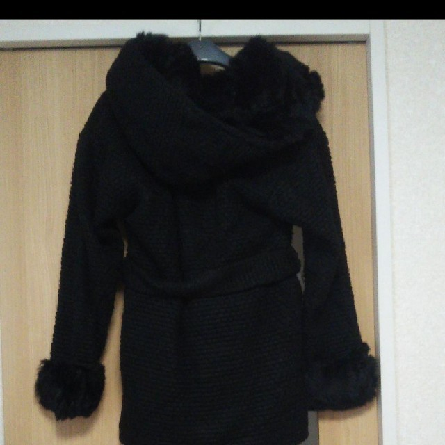 rienda(リエンダ)のrienda 黒ファーコート リエンダ レディースのジャケット/アウター(毛皮/ファーコート)の商品写真
