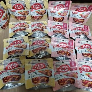ネスレ(Nestle)のキットカット ナッツ&クランベリー 17個(菓子/デザート)