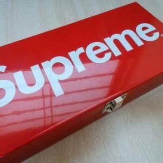 Supreme - supreme BOX