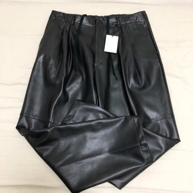 stein 19AW FAKE LEATHER WIDE TROUSERS L メンズのパンツ(その他)の商品写真