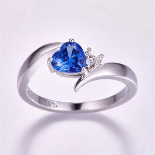 ハート型のブルージルコニアリング(リング(指輪))