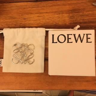 ロエベ(LOEWE)の【ロエベ 】ブローチ(ブローチ/コサージュ)