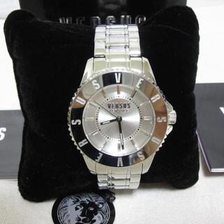 VERSACE - 新品箱入り ヴェルサスヴェルサーチ 腕時計 ウォッチ シルバー 3針 42mm